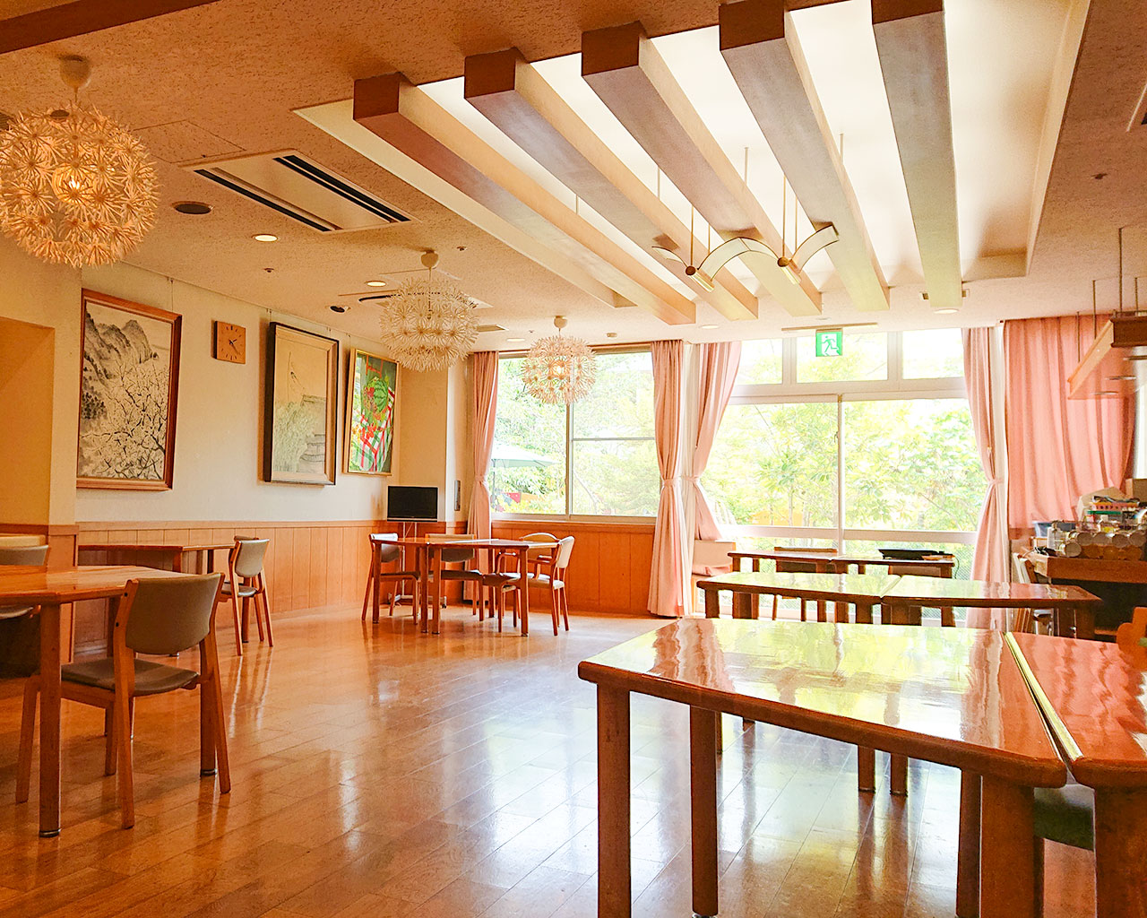 泉北園百寿荘のダイニング(食堂)